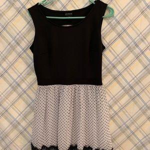 Cute polkadot dress with small back cutout